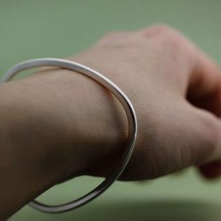 lena_jerstrom_silver_armband_mjukhorning