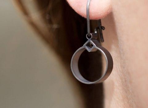 Geomidi hängande örhängen